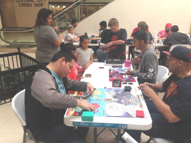 People playing games at Con De Mayo 2019